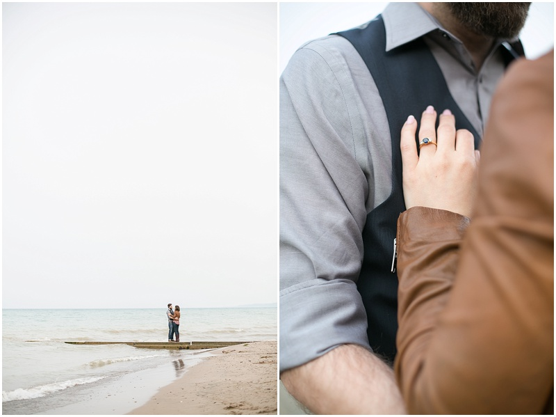 jenny-steve-downtown-milwaukee-engagement-outdoor-milwaukee-lake-michigan-beach-wisconsin-photo_0013