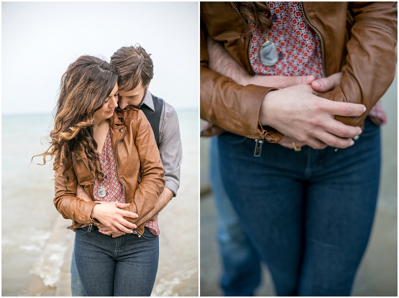 jenny-steve-downtown-milwaukee-engagement-outdoor-milwaukee-lake-michigan-beach-wisconsin-photo_0016